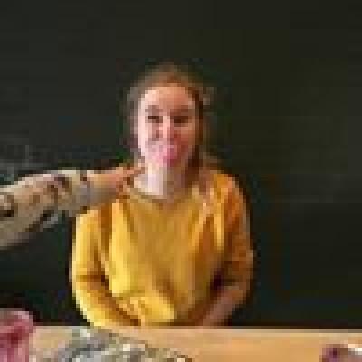 Naomi zoekt een Kamer/Studio/Appartement in Den Bosch